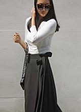 ラングラップブラックのスカート<font color=9A9A9A><br>ブラックのラベル<br>リオドはありません。</font>